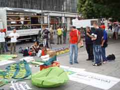 Wagendeko am Startort der Hanfparade 2008 - kleine Version